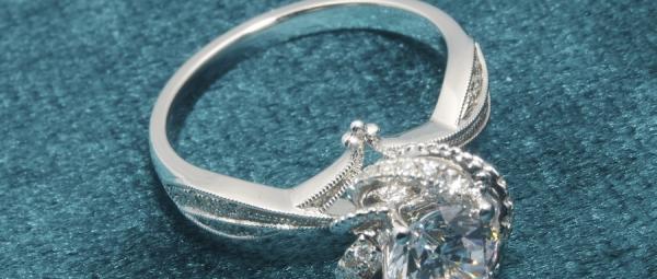 挑选钻石的3个小Tips